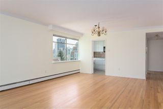 """Photo 4: 801 1960 ROBSON Street in Vancouver: West End VW Condo for sale in """"LAGOON TERRACE"""" (Vancouver West)  : MLS®# R2270838"""