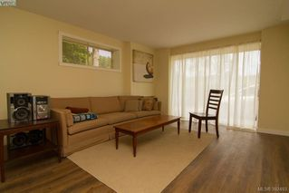 Photo 16: 61 Durrance Road in VICTORIA: SW West Saanich Single Family Detached for sale (Saanich West)  : MLS®# 392493