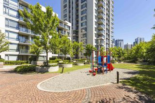 Photo 1: 313 3588 CROWLEY Drive in Vancouver: Collingwood VE Condo for sale (Vancouver East)  : MLS®# R2289388