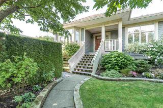 """Main Photo: 20 15425 ROSEMARY HEIGHTS Crescent in Surrey: Morgan Creek Townhouse for sale in """"Braemore at Carrington"""" (South Surrey White Rock)  : MLS®# R2298669"""