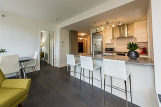 "Photo 3: 306 988 RICHARDS Street in Vancouver: Yaletown Condo for sale in ""TRIBECA LOFTS"" (Vancouver West)  : MLS®# R2304686"