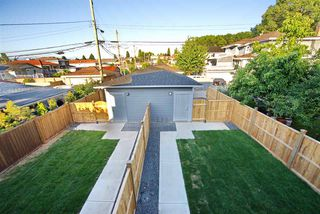 Photo 3: 5218 GLADSTONE Street in Vancouver: Victoria VE House 1/2 Duplex for sale (Vancouver East)  : MLS®# R2322175