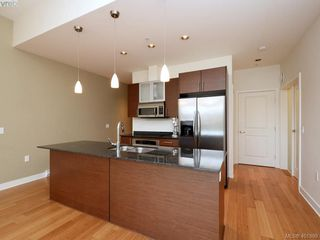 Photo 7: 406 3614 Richmond Road in VICTORIA: SE Mt Tolmie Condo Apartment for sale (Saanich East)  : MLS®# 401899