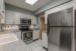 "Photo 5: 18 19034 MCMYN Road in Pitt Meadows: Mid Meadows Townhouse for sale in ""MEADOWVALE"" : MLS®# R2332366"