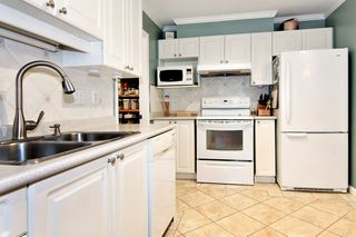 Photo 7: 304 2526 LAKEVIEW Crescent in Abbotsford: Central Abbotsford Condo for sale : MLS®# R2337653