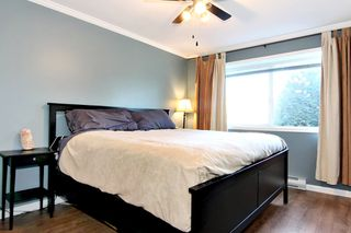 Photo 11: 304 2526 LAKEVIEW Crescent in Abbotsford: Central Abbotsford Condo for sale : MLS®# R2337653