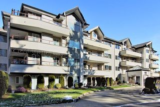 Main Photo: 304 2526 LAKEVIEW Crescent in Abbotsford: Central Abbotsford Condo for sale : MLS®# R2337653