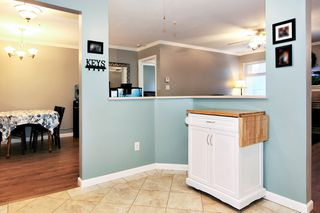 Photo 8: 304 2526 LAKEVIEW Crescent in Abbotsford: Central Abbotsford Condo for sale : MLS®# R2337653