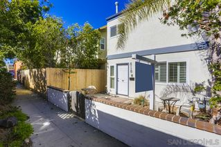Photo 2: MISSION BEACH House for sale : 3 bedrooms : 818 Rockaway Ct in San Diego