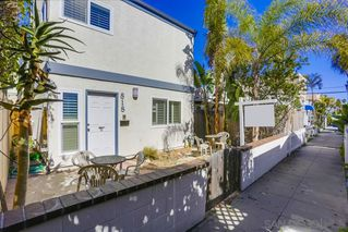 Photo 3: MISSION BEACH House for sale : 3 bedrooms : 818 Rockaway Ct in San Diego