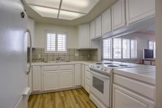 Photo 11: MISSION BEACH House for sale : 3 bedrooms : 818 Rockaway Ct in San Diego