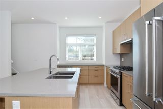 """Photo 5: 32 2427 164 Street in Surrey: Grandview Surrey Townhouse for sale in """"The Smith"""" (South Surrey White Rock)  : MLS®# R2347238"""