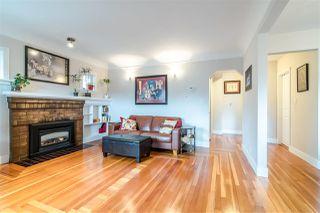 Photo 2: 3067 GRAVELEY Street in Vancouver: Renfrew VE House for sale (Vancouver East)  : MLS®# R2349763