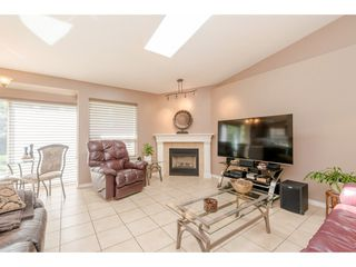 "Photo 12: 19579 SOMERSET Drive in Pitt Meadows: Mid Meadows House for sale in ""Somerset"" : MLS®# R2360090"