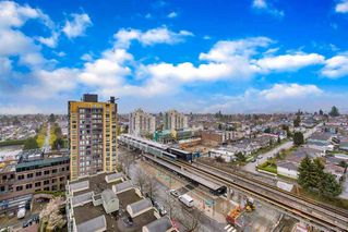 Photo 13: 1606 5189 GASTON Street in Vancouver: Collingwood VE Condo for sale (Vancouver East)  : MLS®# R2360326
