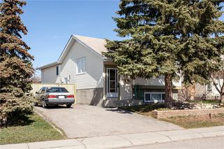 Photo 1: 93 ABERDARE Road NE in Calgary: Abbeydale Detached for sale : MLS®# C4240941