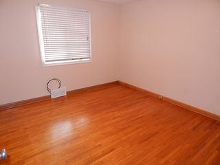 Photo 7: 319 Oakland Avenue in Winnipeg: North Kildonan House for sale ()  : MLS®# 1727613