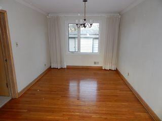 Photo 4: 319 Oakland Avenue in Winnipeg: North Kildonan House for sale ()  : MLS®# 1727613