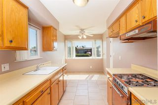 Photo 4: SOUTH ESCONDIDO House for sale : 2 bedrooms : 128 Gayland in Escondido