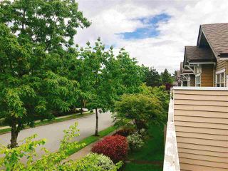 Photo 2: 57 5298 OAKMOUNT Crescent in Burnaby: Oaklands Townhouse for sale (Burnaby South)  : MLS®# R2374050