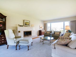 """Photo 5: 6145 COLLINGWOOD Street in Vancouver: Kerrisdale House for sale in """"SOUTHLANDS"""" (Vancouver West)  : MLS®# R2376095"""