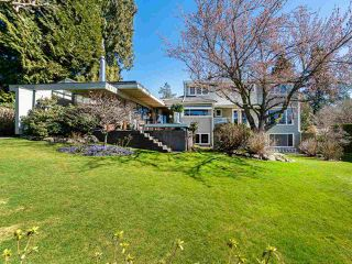 """Photo 16: 6145 COLLINGWOOD Street in Vancouver: Kerrisdale House for sale in """"SOUTHLANDS"""" (Vancouver West)  : MLS®# R2376095"""