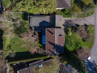 """Photo 19: 6145 COLLINGWOOD Street in Vancouver: Kerrisdale House for sale in """"SOUTHLANDS"""" (Vancouver West)  : MLS®# R2376095"""