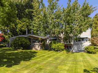"""Photo 15: 6145 COLLINGWOOD Street in Vancouver: Kerrisdale House for sale in """"SOUTHLANDS"""" (Vancouver West)  : MLS®# R2376095"""