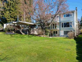 """Photo 10: 6145 COLLINGWOOD Street in Vancouver: Kerrisdale House for sale in """"SOUTHLANDS"""" (Vancouver West)  : MLS®# R2376095"""