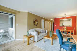 """Photo 4: 308 3590 W 26TH Avenue in Vancouver: Dunbar Condo for sale in """"DUNBAR HEIGHTS"""" (Vancouver West)  : MLS®# R2380999"""