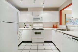 """Photo 8: 308 3590 W 26TH Avenue in Vancouver: Dunbar Condo for sale in """"DUNBAR HEIGHTS"""" (Vancouver West)  : MLS®# R2380999"""