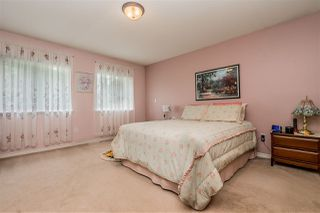Photo 11: 6102 195 Street in Surrey: Cloverdale BC House for sale (Cloverdale)  : MLS®# R2383500