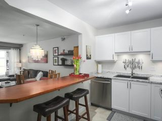 """Main Photo: 206 108 W ESPLANADE in North Vancouver: Lower Lonsdale Condo for sale in """"Tradewinds"""" : MLS®# R2387503"""