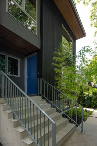 """Photo 18: 2078 E 7TH Avenue in Vancouver: Grandview Woodland House for sale in """"THE DRIVE"""" (Vancouver East)  : MLS®# R2403665"""