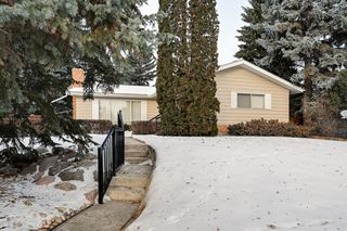 Photo 3: 8526 141 Street in Edmonton: Zone 10 House for sale