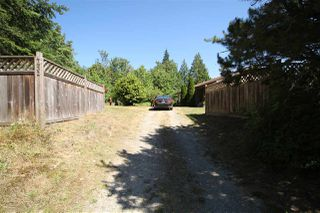 Photo 3: 4432 SUNSHINE COAST Highway in Sechelt: Sechelt District House for sale (Sunshine Coast)  : MLS®# R2481710