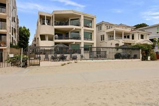 Photo 4: PACIFIC BEACH Townhome for sale : 2 bedrooms : 1157 Pacific Beach Drive in San Diego