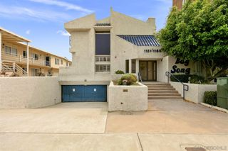 Photo 3: PACIFIC BEACH Townhome for sale : 2 bedrooms : 1157 Pacific Beach Drive in San Diego