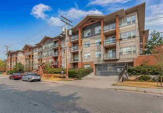"Photo 2: 315 20219 54A Avenue in Langley: Langley City Condo for sale in ""Suede"" : MLS®# R2513344"