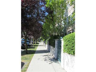 "Photo 2: 402 3278 HEATHER Street in Vancouver: Cambie Condo for sale in ""HEATHERSTONE"" (Vancouver West)  : MLS®# V906355"
