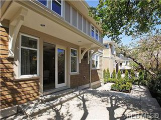 Photo 19: 211 Robertson St in VICTORIA: Vi Fairfield East House for sale (Victoria)  : MLS®# 585604