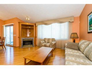 Photo 5: 39 EDGERIDGE Terrace NW in CALGARY: Edgemont Townhouse for sale (Calgary)  : MLS®# C3602223