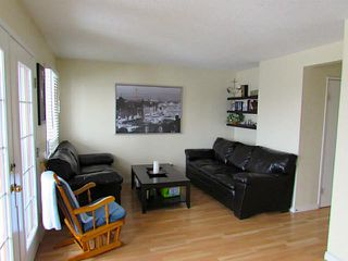 Photo 3: 1506 SIGNAL HILL Green SW in CALGARY: Signature Parke Townhouse for sale (Calgary)  : MLS®# C3606416