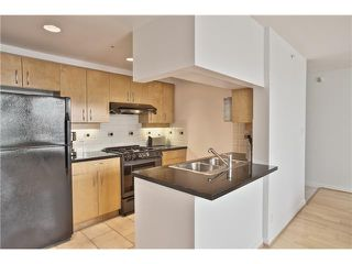 "Photo 7: 1708 198 AQUARIUS Mews in Vancouver: Yaletown Condo for sale in ""AQUARIUS 2"" (Vancouver West)  : MLS®# V1059112"