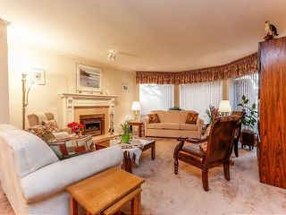 Photo 3: 5916 123 Street in Surrey: Panorama Ridge House for sale : MLS®# F1409816