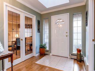 Photo 2: 5916 123 Street in Surrey: Panorama Ridge House for sale : MLS®# F1409816