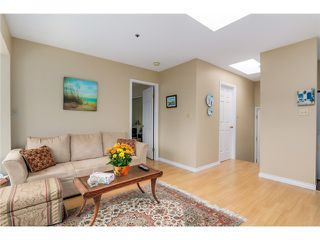 Photo 4: PH8 2238 ETON Street in Vancouver: Hastings Condo for sale (Vancouver East)  : MLS®# V1097894