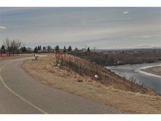 Photo 3: 724 LYSANDER Drive SE in Calgary: Lynnwood_Riverglen House for sale : MLS®# C3656384