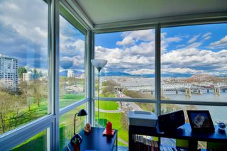 "Photo 5: 1501 125 COLUMBIA Street in New Westminster: Downtown NW Condo for sale in ""NORTHBANK"" : MLS®# R2049044"