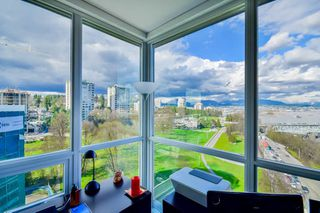 "Photo 4: 1501 125 COLUMBIA Street in New Westminster: Downtown NW Condo for sale in ""NORTHBANK"" : MLS®# R2049044"